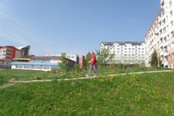 Na pozemku na Slnečnom námestí má vyrásť 42 nových bytov.