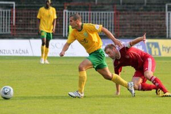 Donedávna ešte spoluhráči, Viktor Pečovský a Michal Pančík.