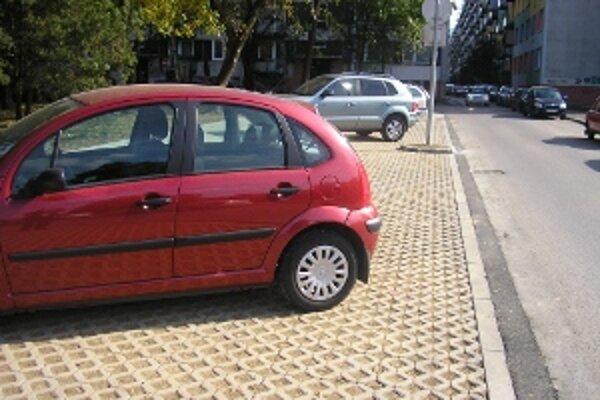 Nové parkovacie miesta na Vlčincoch II.