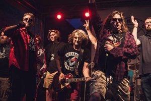 V závere všetci spolu zaspievali pesničku Nitránsky Rock'N'Roll, ktorá je na CD nitrianskej kapely U.K.N.D z roku 2013.