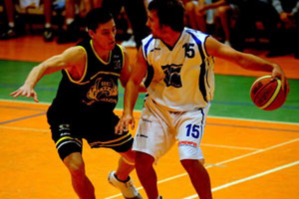 Kapitán basketbalistov zo Žiliny Viliam Kosa s loptou.