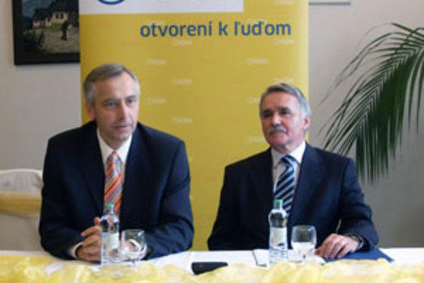 Predseda KDH Ján Figeľ a kandidát na župana v Žiline Pavel Pavlásek.