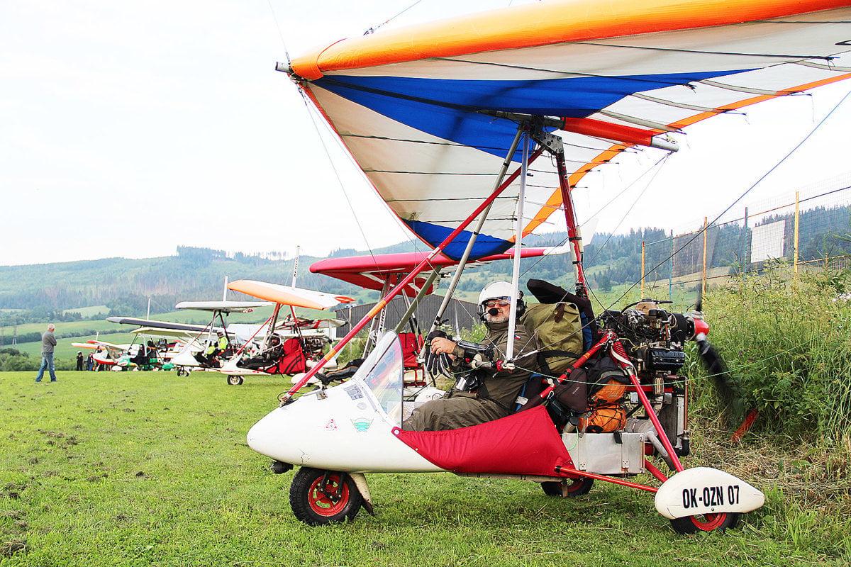 be3925d398c1a Obleteli dva štáty, zleteli z oblohy a pristáli vo Varečke - SME ...