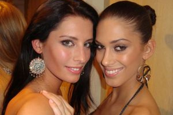 Miss Slovensko 2010 Barbora Franeková s Miss ČR na súťaži Miss World. Tento rok ju môžu nalsedovať ďalšie tri dievčatá z regiónu.