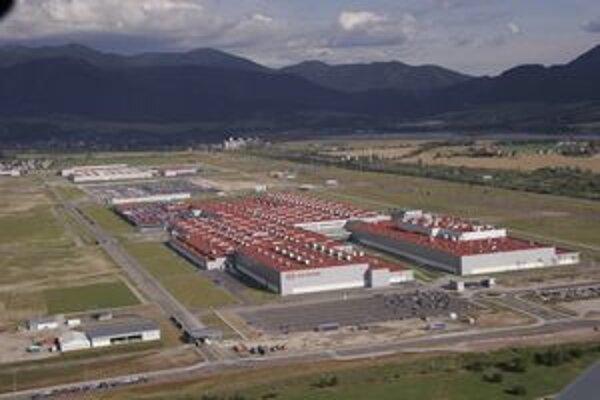 KIA Motors Slovakia v Tepličke nad Váhom. O novej motorárni sa rozhodne v marci.