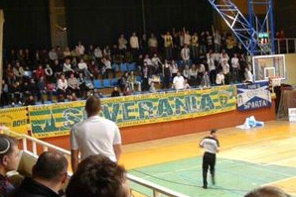 Na zápasoch basketbalistov Žiliny sa schádza čoraz viac fanúšikov.