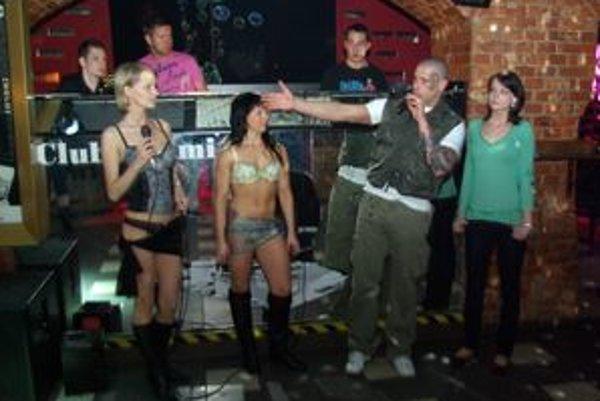 Rosebnerg sa predstavil tentoraz v úlohe moderátora. Robil reklamu spodnej bielizni a erotickej televízii.