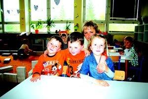 Vladko, Marek a Nikolka s mamou.