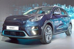 Po modeloch Niro s hybridným hnacím systémom a plug-in hybridnou sústavou prichádza Kia s modelom Niro EV s čisto elektrickým pohonom.