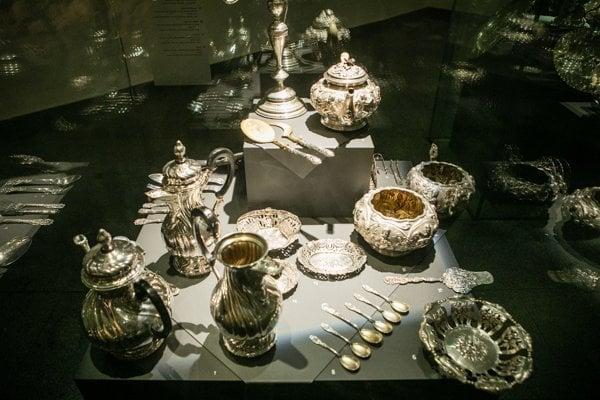 Predmety zo zbierkového fondu drahých kovov Slovenského národného múzea.
