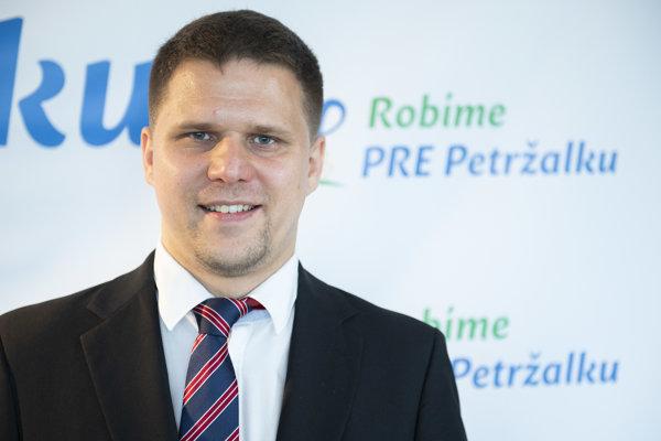 Ján Hrčka oficiálne oznámil kandidatúru na starostu Petržalky.