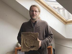 Archeológ Krajského múzea v Prešove Marián Čurný.
