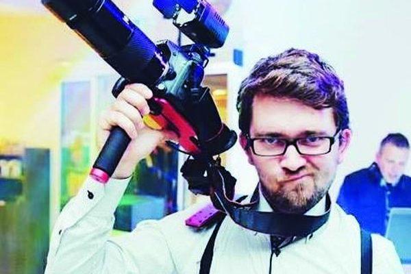 Pre Jakuba Chochulu je kamera záľubou a prácou zároveň.
