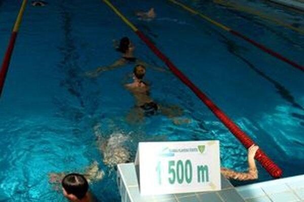 Žilinská plavecká štafeta rozhýbala 417 Žilinčanov.
