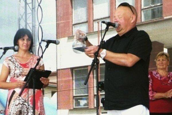 """Krstným otcom sa stal Ivan """"Tuli"""" Vojtek."""