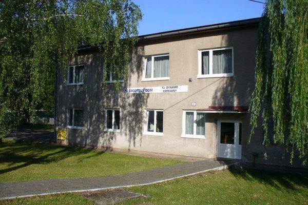 Športový dom v Krpeľanoch.