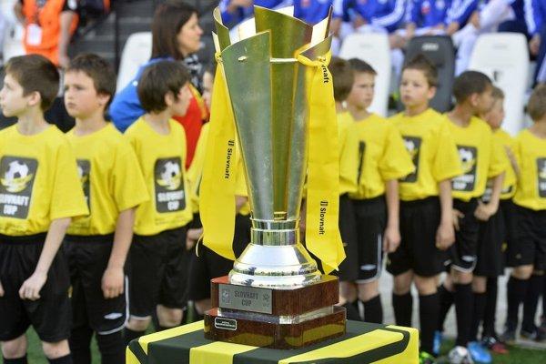 Trofej pre víťaza 50. ročníka Slovnaft cupu.