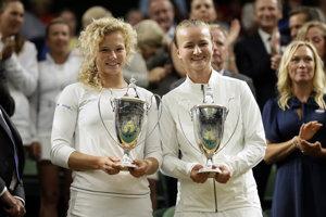 České tenistky Barbora Krejčíková (vpravo) s Kateřinou Siniakovou.