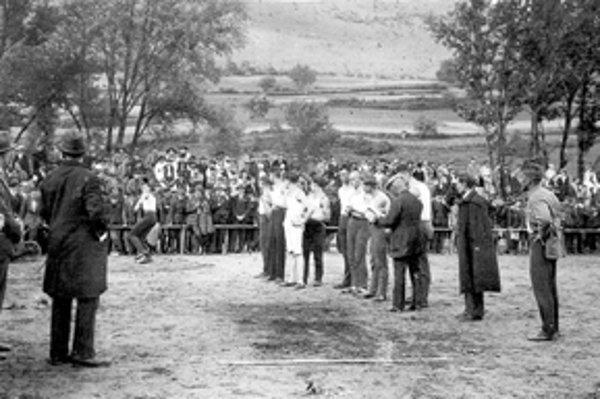 Atletické preteky v Žiline v roku 1920.
