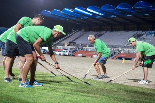 Štadión FC Nitra bude mať trávnik pripravený na sobotu 4. augusta, kedy sa má hrať derby zápas proti Dunajskej Strede.