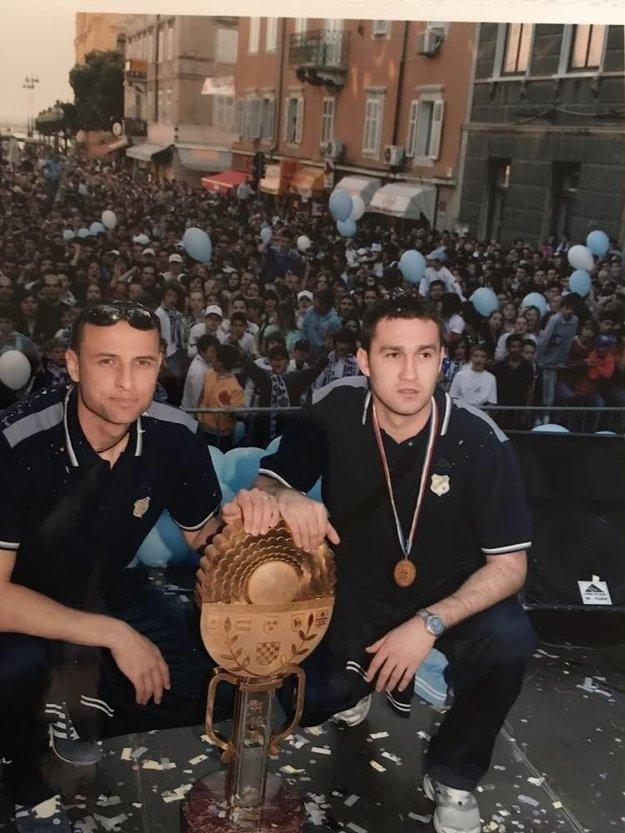 Peter Lérant (vľavo) sa teší zo zisku chorvátskeho pohára spolu s Dariom Knezevičom.