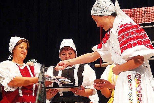 Spevácky folklórny súbor Orava na vystúpení k svojmu jubileu.