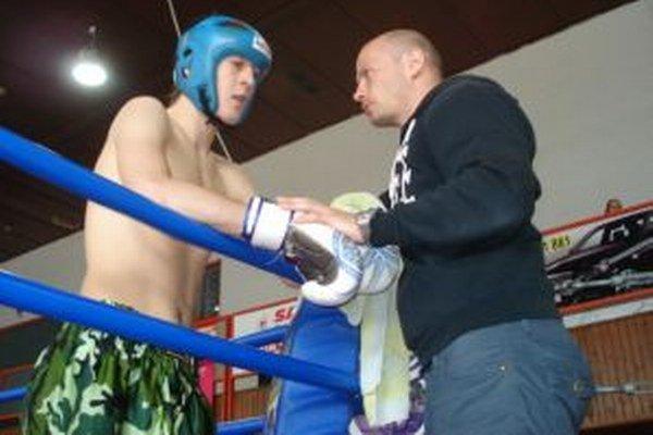 David Červeň bol platným členom Sazuka kickbox klubu v Liptovskom Mikuláši.