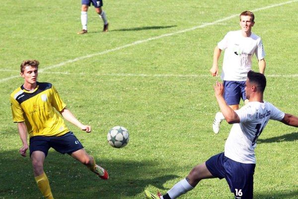 Momentka zo zápasu Jelenec - Martin n/Ž. (8:5).