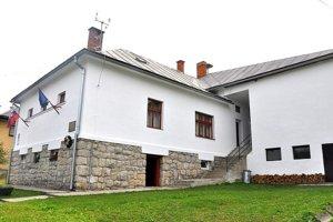 Vynovený obecný úrad akultúrny dom.