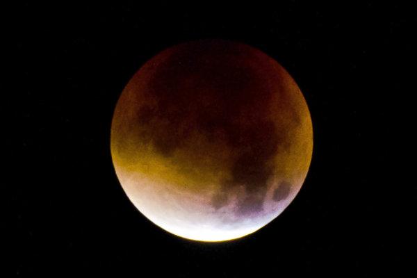 Zatmenie Mesiaca sa začne v piatok o 20:24 hodine.
