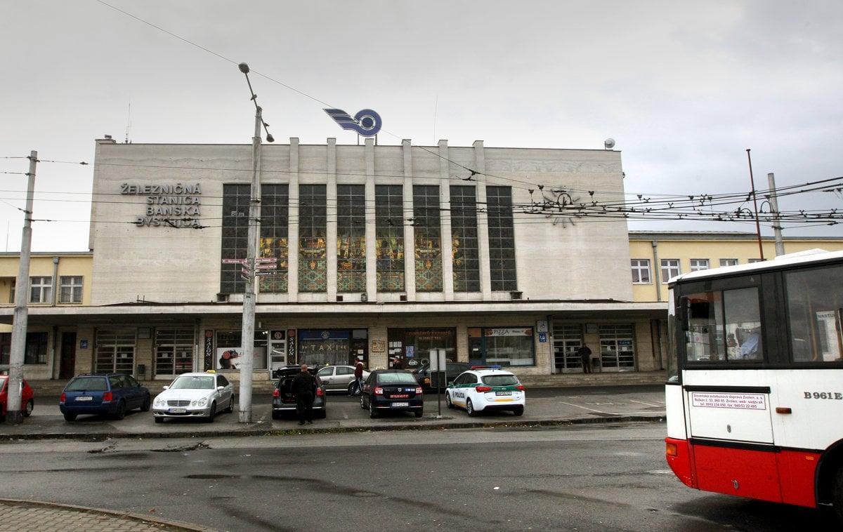 189d5daca5db Bystrica má novú kultúrnu pamiatku - železničnú stanicu - SME