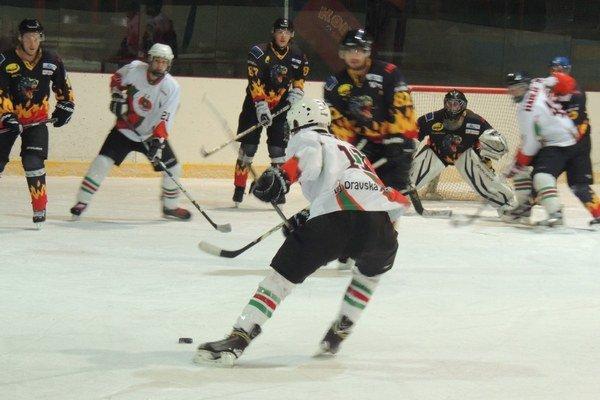 Oravská hokejová súťaž sa prehupla do odvetnej časti.