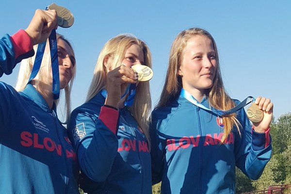 Michaela Haššová s reprezentačnými kolegyňami Mintalovou a Murzovou.
