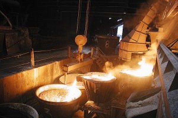 Vo fabrike ostalo pracovať štyristo ľudí.