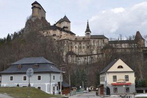 Oravský hrad patrí medzi najkrajšie na Slovensku.