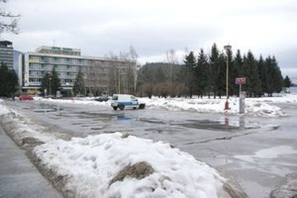 Mesto pripravuje verejnú obchodnú súťaž, k jej podmienkam boli kritické pripomienky.