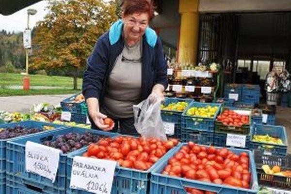 O slovenskú zeleninu a ovocie je na tržnici veľký záujem.