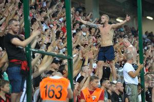 Fanúšikovia Trnavy počas zápasu.