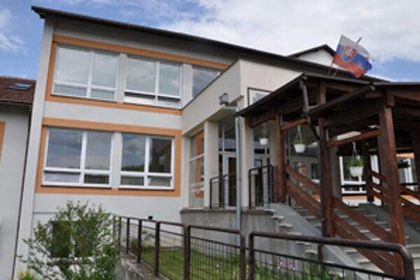 Bývalý primátor Ivan Budiak podpísal zmluvu, vďaka ktorej mesto musí zaplatiť sto tisíc eur.