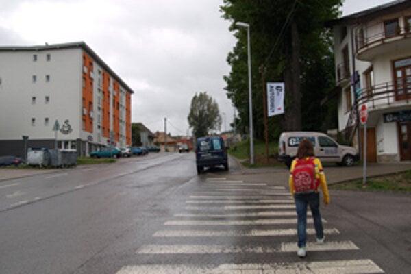 Ak by sa Lukáš Chomát s mestom dohodol, stromy oproti bytovke nahradia domy.