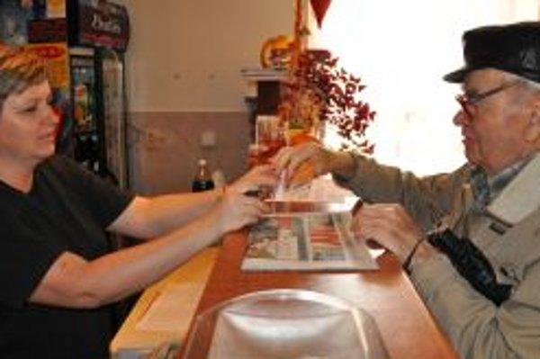 Seniori si pochvaľujú možnosť najesť sa v reštauráciách.