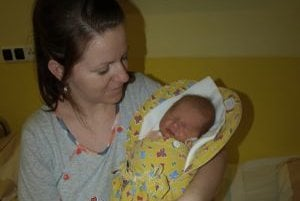 Prvé tohtoročné bábätko - malá Alexandra Pňačková s mamou Lenkou.