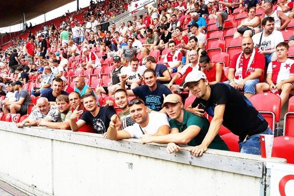 Výprava z Cabaja-Čápora si užila zápas Slavie Praha s Opavou.