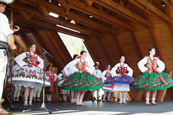 Folklórna skupina Goral zo Suchej Hory.