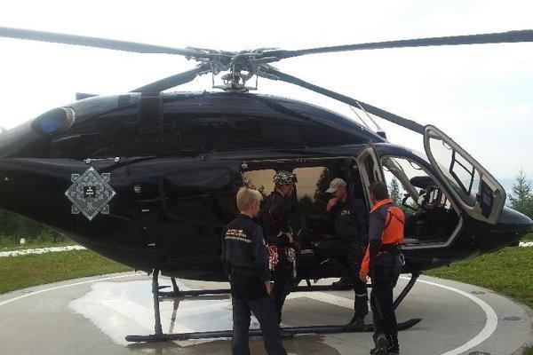 Muža našli pri obhliadke terénu z vrtuľníka.