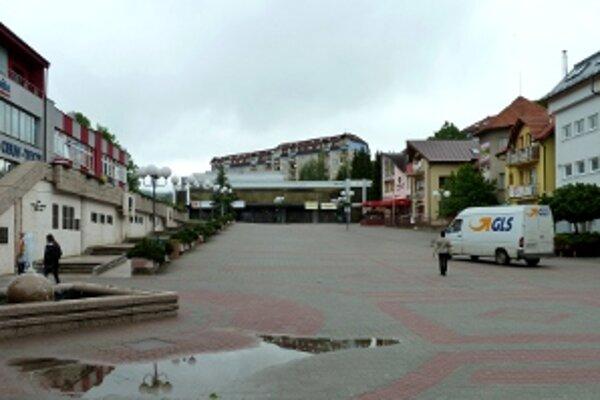 Výšku budov na Hviezdoslavovom námestí určuje územný plán.