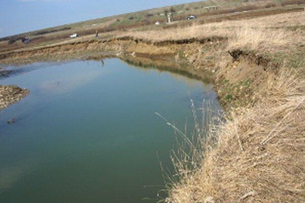Problém je v tom, že v súčasnosti niektoré potoky a rieky tečú po úplne iných pozemkoch ako kedysi.