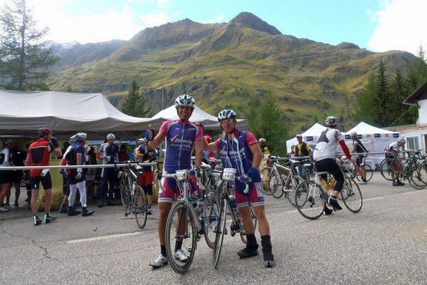 Oravských cyklistov neopúšťala dobrá nálada ani pred posledným vrcholom.
