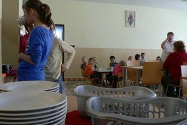 Obec chce služby školskej kuchyne rozšíriť, mala by variť pre širokú verejnosť.