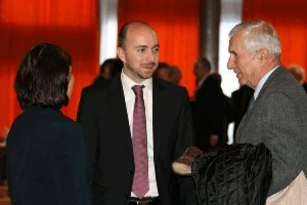 Peter Markovič (v strede). Ako prednosta dolnokubínskej radnice skončil.